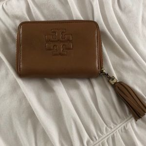 TORY BURCH beautiful leather wallet